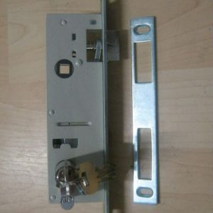 брава за алуминиева дограма с патрон и ключове 915053
