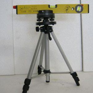 нивелир лазерен със стойка
